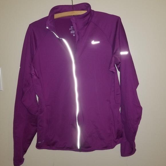bf0985aafa85 Nike Dri Fit Element running jacket. M 5bc12b32baebf609cf04f94a